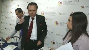 Opositores al Gobierno quieren la cabeza del Ochoa.